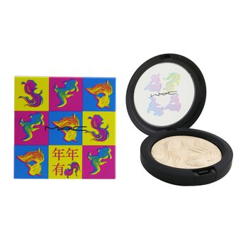 Extra Dimension Skinfinish Iluminandor (Colección Moon Masterpiece)  8g/0.28oz